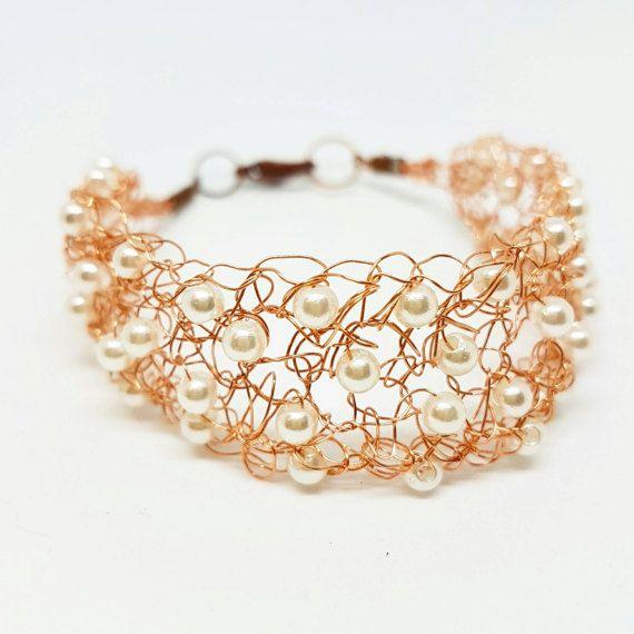 Guarda questo articolo nel mio negozio Etsy https://www.etsy.com/it/listing/499616788/copper-bracelet-samira-pearls-perlen