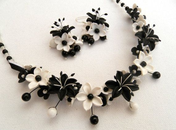 Black and white jewelry  Flower jewelry  Lilies  by insoujewelry, $64.00