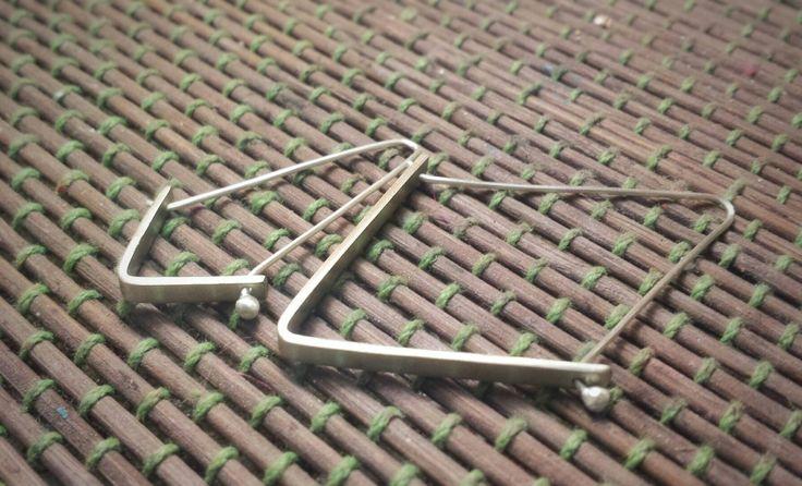 Small and large polygon hoops/ shape jewellery / shape hoops / triangle hoops / minimal hoops / shape earrings / Minimal earrings by kolimpri11 on Etsy