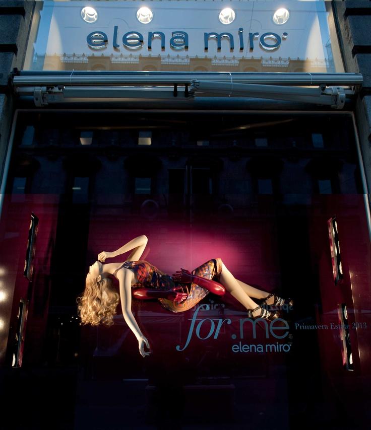 window display store in Milano