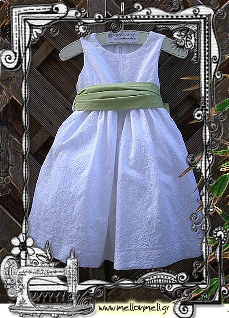 Βαπτιστικό φόρεμα ολοκέντητο σε αποκλειστικό σχέδιο ΜέλλονΜέλι Exclusive.   www.mellonmeli.gr