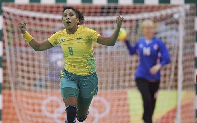 Handebol feminino Brasil x Noruega Ana Paula (Foto: Reuters)