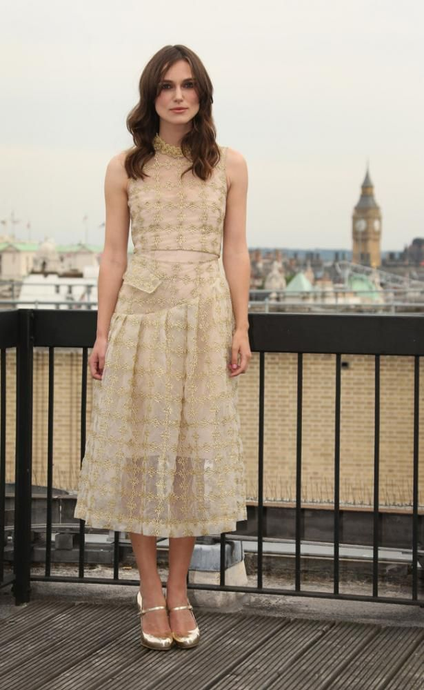 Keira Knightley photocall Begin Again Londres Julio 2014 vestido Simone Rocha Mary Janes Prada