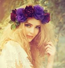 Znalezione obrazy dla zapytania wianki na głowę ze sztucznych kwiatów