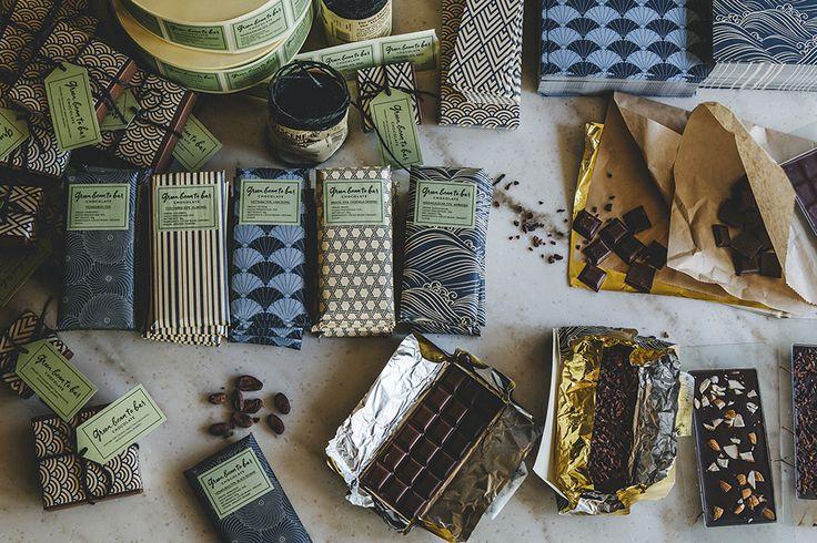 green  bean to bar chocolate(グリーン ビーン トゥ バー チョコレート)はカカオ豆からチョコレートになるまでの全行程を一貫して手作業で行い、bean to barを楽しみ、体験できるチョコレート専門店です。