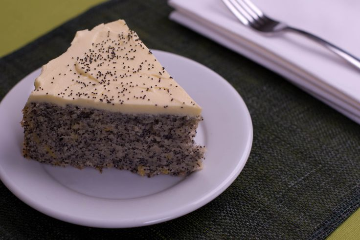 Lemon Poppy Seed Cake (Vegan)