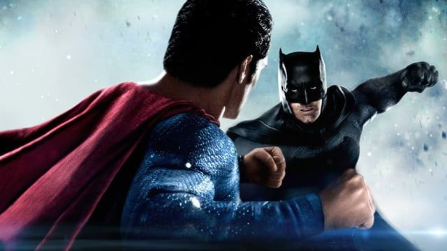 Animation des deux affiches promotionnelles du film Batman v Superman.  -  Musique : Is She With You - Hans Zimmer & Junkie XL (Batman v Superman Soundtrack)