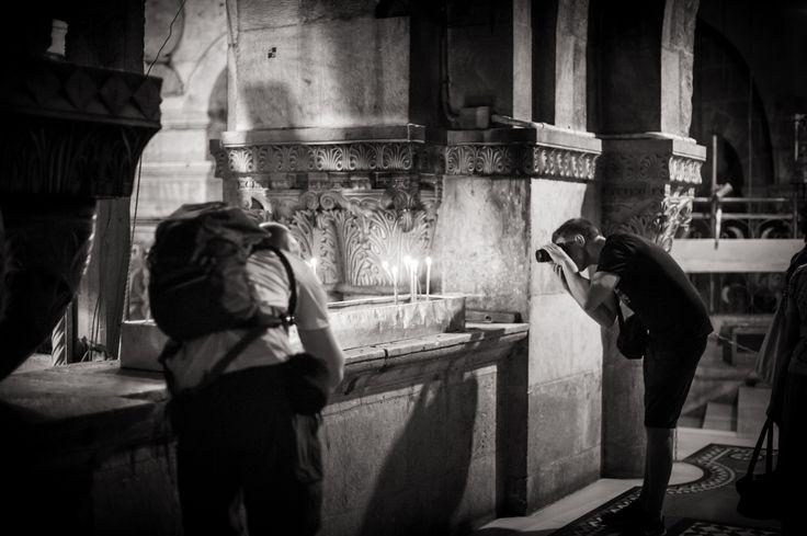 Dirk Goldbach, Tourists in The Holy Sepulcher II, Old City, Jerusalem, Israel, 2014-06-25