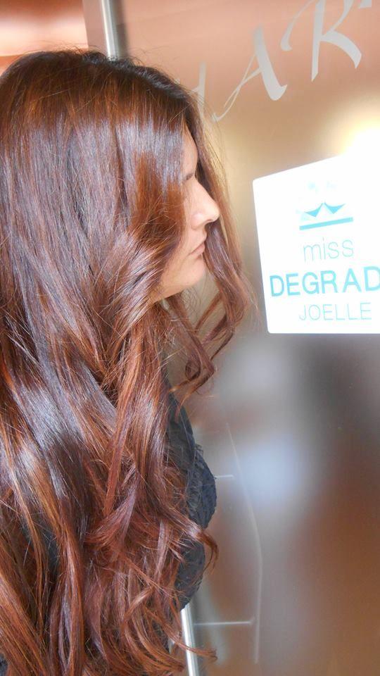 Spotted...in salone! Con il Degradé Joelle avere i capelli lunghi e sani non è difficile.  #cdj #degradejoelle #tagliopuntearia #dettaglidistile #welovecdj #clientefelice #beautifulhair #naturalshades #hair #hairstyle #hairstyles #haircolour #haircut #fashion #longhair #style #hairfashion
