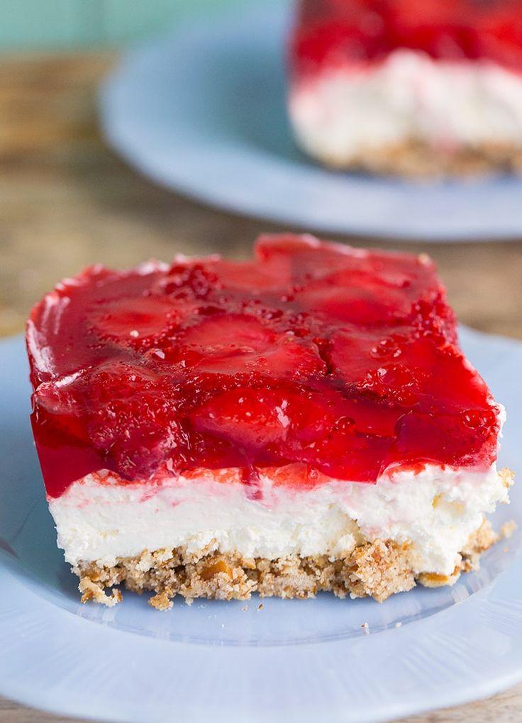 Strawberry Pretzel Dessert Salad from @kitchenmagpie