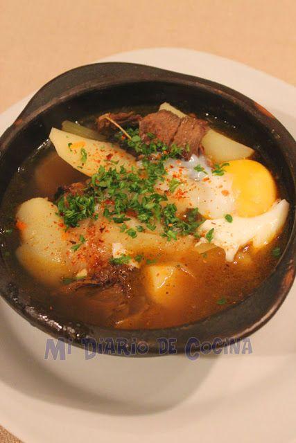 Ajiaco chileno - Esta receta es tan tradicional en Chile, es un exquisita sopa que si bien si no se cuenta con carne asada, se puede preparar un poco de carne previamente aliñándola y asándola en el horno.