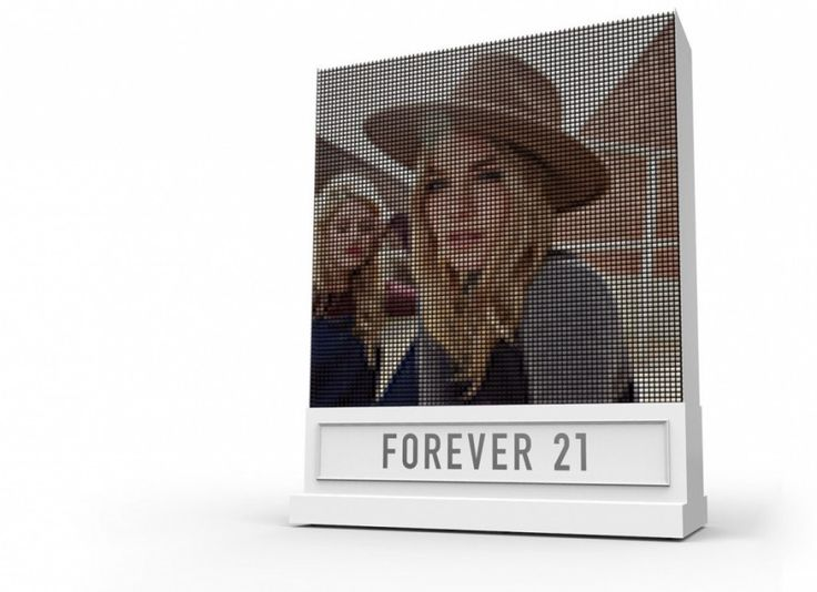 Forever 21 and Breakfast partner up to recreate your Instagram selfie with 6,400 spools of rainbow ribbons