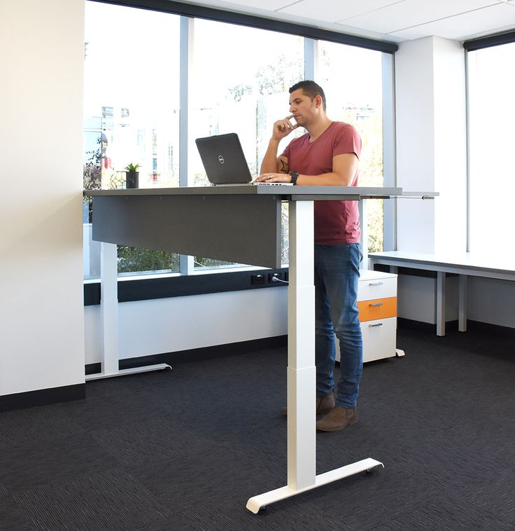 The perfect answer to healthier working, the Hi-Lo sit-stand health station gives you the option to stand while working helping to reduce cardiovascular disease, back pain, and even raise productivity.