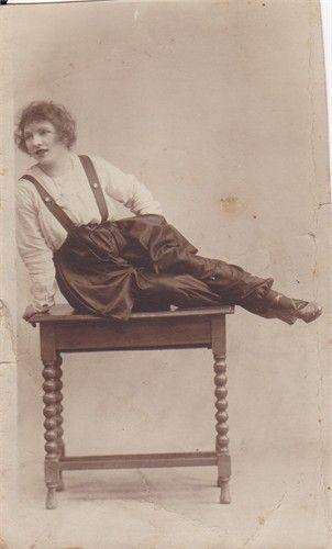Pauline Maud Cuerton (nee Roefs) as Violet Golding,