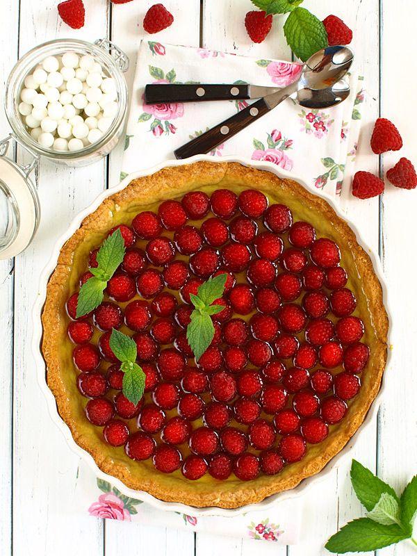 Tarta+z+malinami,+budyniem+waniliowym+i+galaretką+cytrynową+:+Bardzo+cienkie,+kruche+waniliowe+ciasto.+Waniliowy,+delikatny+budyń.+Mnóstwo...