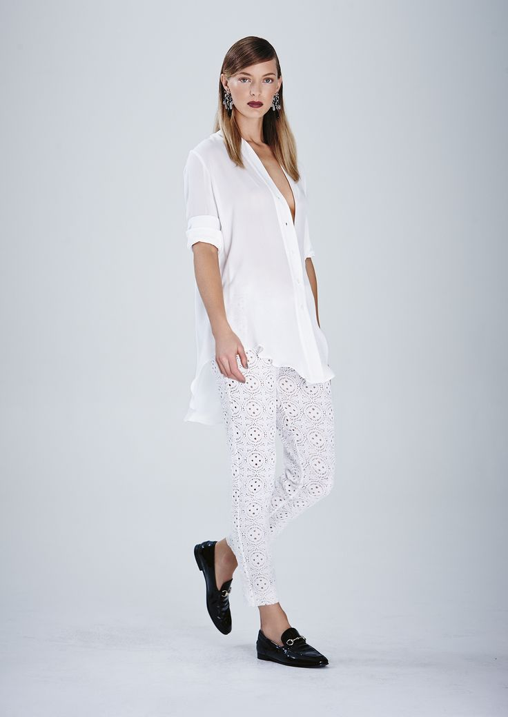 Streamlined Shirt and Riviera Lace Patio Capri Pant