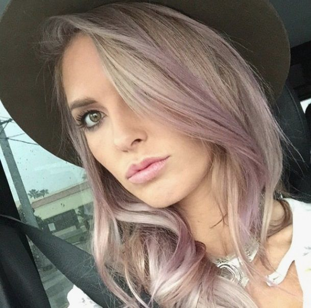 We love Audrina Patridge violet champagne hair !