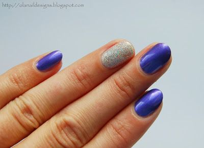 violet and silver nails