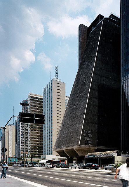 Avenida Paulista, São Paulo, SP by Pedro Kok, via Flickr