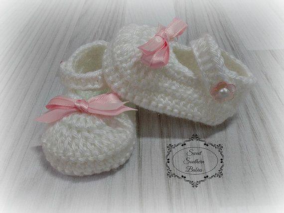 Vestido blanco de niña con zapatos y Capo  bautismo bautizo