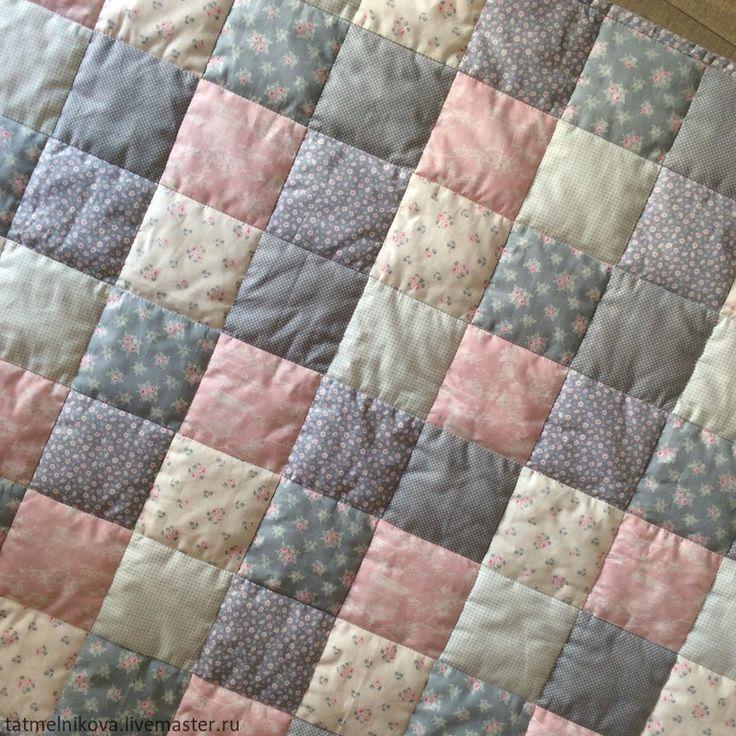 Купить Лоскутное покрывало и наволочка. Комплект для детской кроватки - разноцветный, лоскутное покрывало, лоскутное одеяло