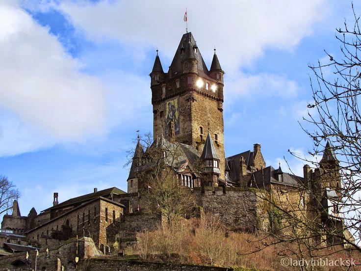 lady in black, Cochem castle travel blog post, Germany! #travelblogging #castle #germanycastle #cochem #blogging #reichsburgcochem #cestovanie #nemecko #hrady #germany http://ladyinblacksk.blogspot.sk/2015/01/cochem-castle.html