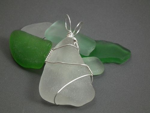 How to Wire-Wrap Beach Glass the Easy Way at Gayle Bird Designs