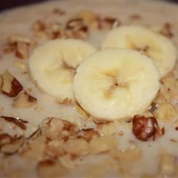 This oatmeal recipe for the microwave uses quick cooking oats, skim milk, flax seeds, walnuts, honey, and a banana.