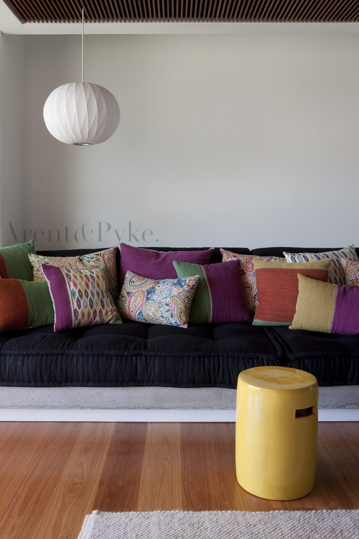 #vaucluse #mediaroom #georgenelson #cushions #benchseat #scattercushions #arentpyke #arent #pyke  photography by Jason Busch