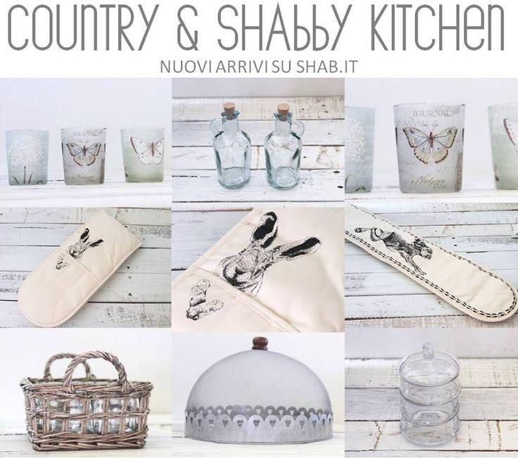 Una cucina country shabby chic alzatine guanti - Accessori cucina country ...