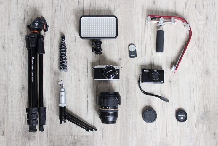 Fotografie apparatuur. Waaronder Canon EOS 600D, Canon Powershot g7x, Olympus Pen E-PL7 en lenzen van Sigma en Tamron. Lees de blog hier http://mychaptertwenty.com/2017/01/12/mijn-camera-apparatuur/  Flatlay, fotografie, photography, tamron, sigma, lenzen, camera's, camera, tripod, photo