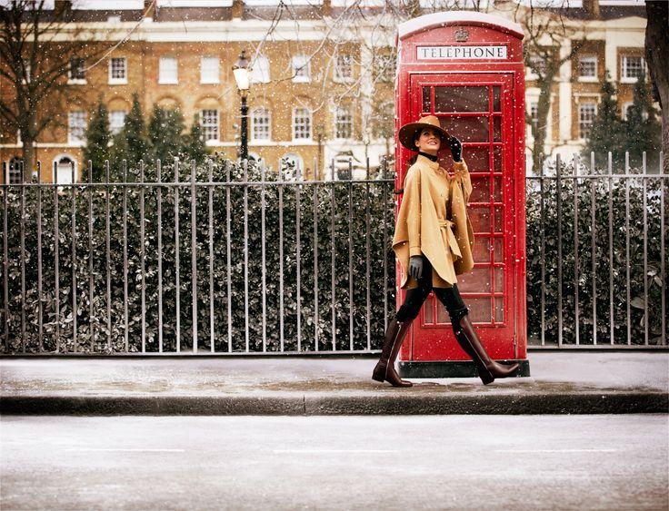 Licorice Snap - Eleganter Damenstiefel im Reiterstiefel-Look aus braunem Glatt- und Strukturleder.Absoluten Tragekomfort bieten die Latexkissen dieser eleganten Stiefel mit Reißverschluss und 3 cm Absatz. #HW13
