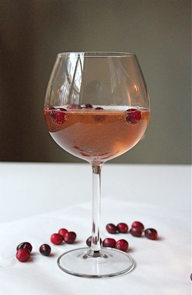 Cranberry-Ginger White Wine Cocktail | cocktail | Pinterest