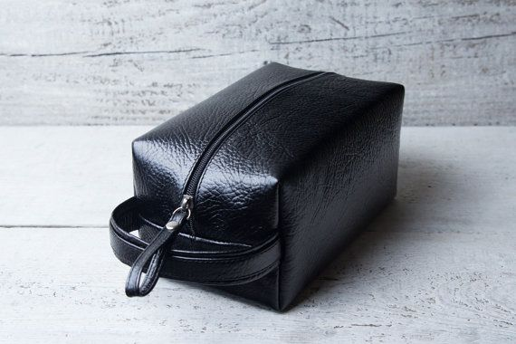 Personalized leather dopp kit bag shaving toiletry case. by viveo