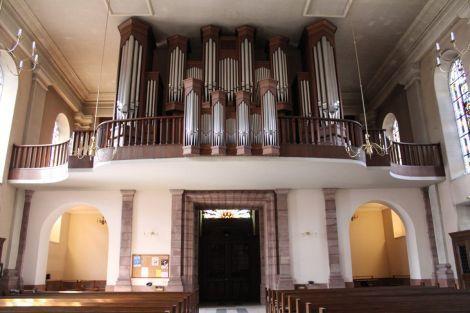 Les orgues sont la grande fierté des Masopolitains. Un incendie en 1966 ravagea l'Eglise Saint-Martin et les orgues des Frères Callinet, qui occupaient la largeur de la nef, soit 19m. Un nouvel orgue fut reconstruit en 1975 par Alfred Kern et sert depuis 1977 pour le Festival International d'Orgues.