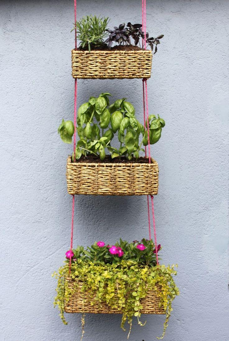 Maceteros colgantes: Gardens Ideas, Plants Hangers, Diy Ideas, Baskets Gardens, Hanging Plants, Herbs Gardens, Hanging Planters, Hanging Baskets, Hanging Gardens