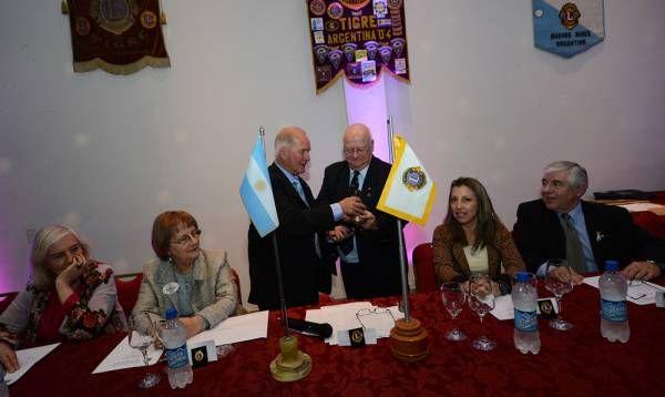 El Club de Leones de Tigre renovó autoridades y tomó juramento a un nuevo miembro