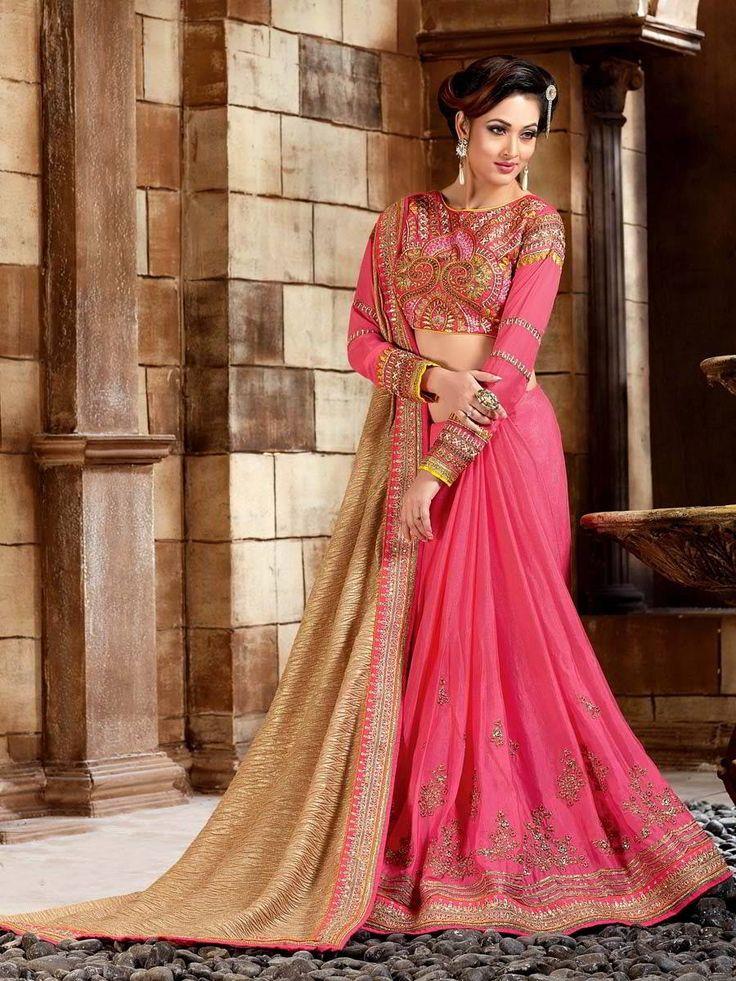 Розовое с бежевым красивое индийское сари, украшенное вышивкой люрексом и пайетками