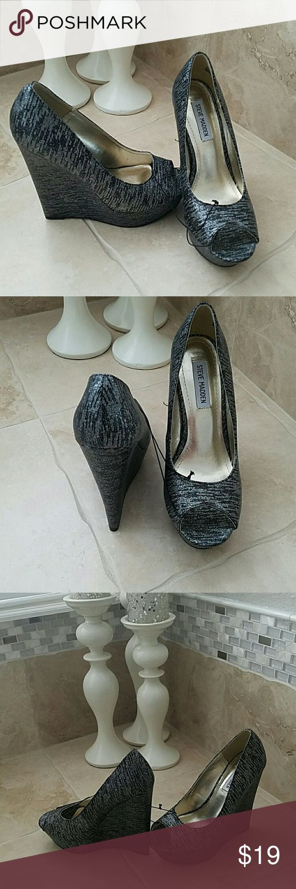 New Steve Madden silver Wedges Size 8
