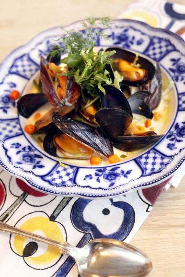 En lyxig soppa med bla. musslor, dill, grädde och purjolök. Läs också:Härhittar du alla recept du behöver för att laga enperfekt nyårsmiddag