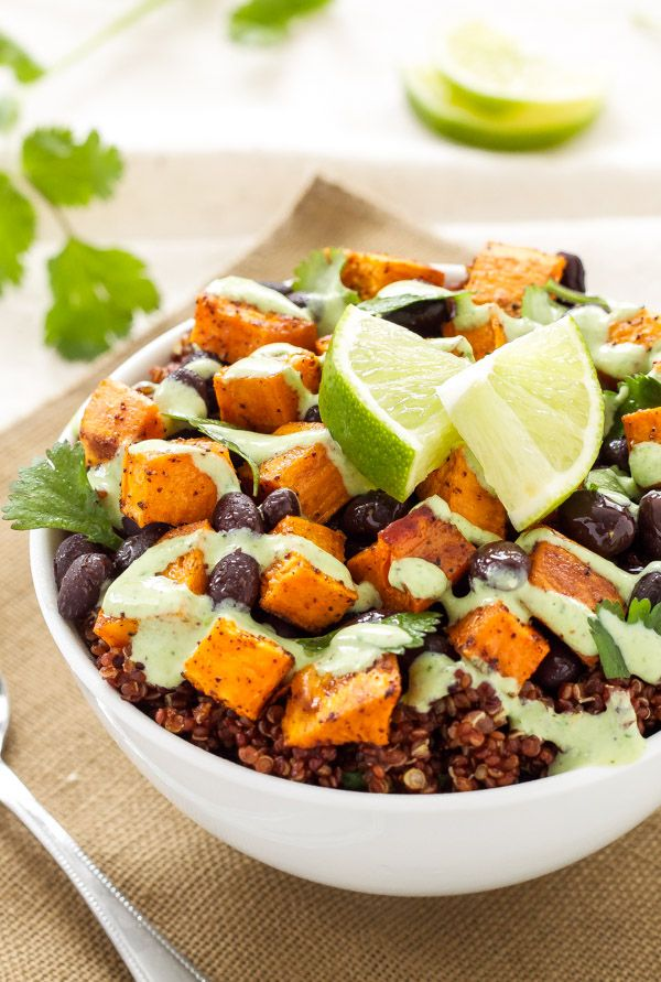 Sweet Potato and Black Bean Quinoa Bowls: a delicious, filling, meatless meal that will please both vegetarians and meat lovers | www.reciperunner.com