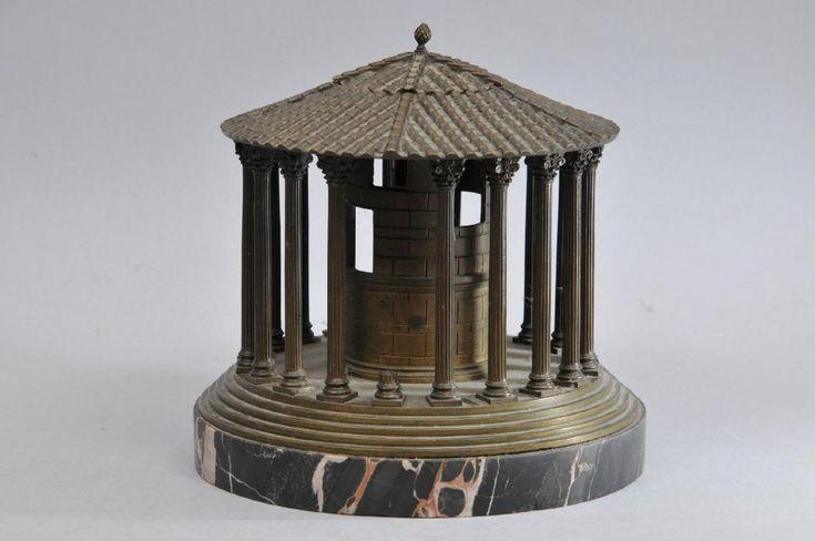 19th century Italian Grand Tour round bronze