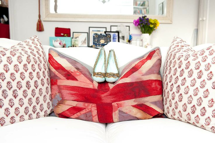 love the union jack pillow. : Shoes, Decor, Style, Interiors, Jack O'Connell, Union Jack Pillow, Taylor, Pillows