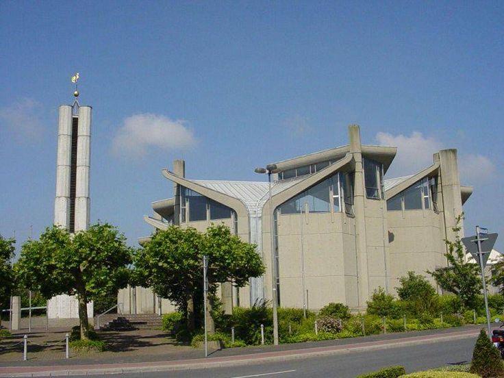 Kath. Pfarrkirche Heilig-Geist in Emmerich am Rhein, Architektur - baukunst-nrw