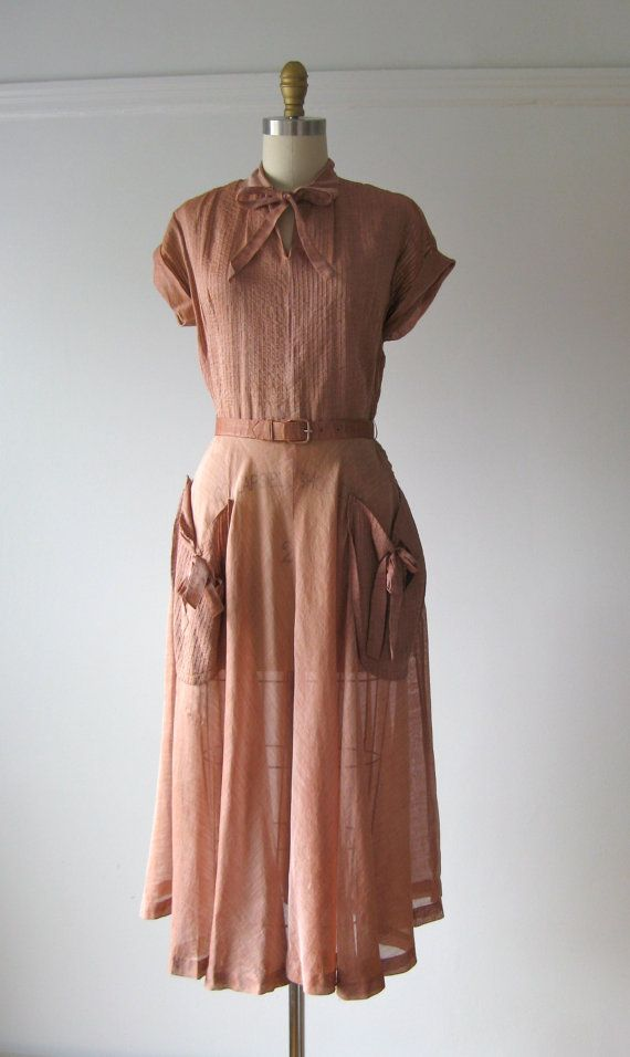 vintage 1940s dress / 40s dress / Dusty Rose