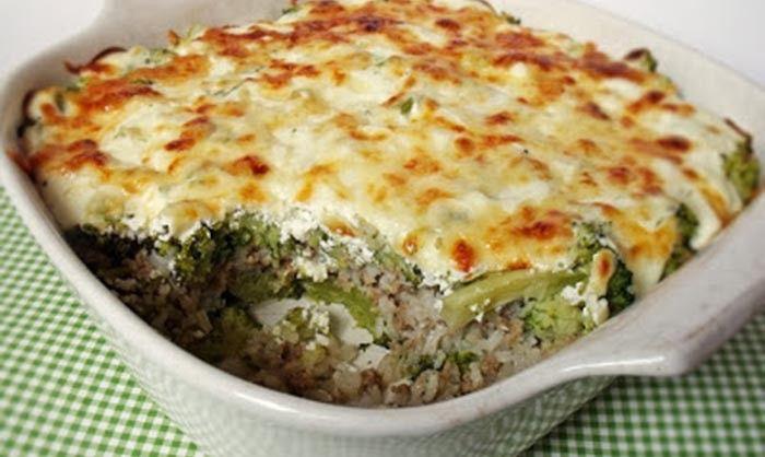 Výborný oběd pro milovníky brokolice. Bez mletého masa je to skvělá volba i pro vegetariány - je možnost maso nahradit například sójou nebo jinou zeleninou. Dobrou chuť!