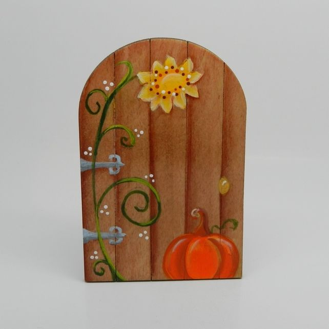 26 best faerie doors by nanci 39 s creative castings for Painted fairy doors