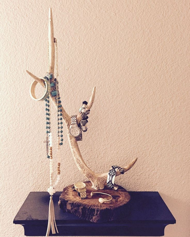 Beautiful and tall jewelry holder made from Sika deer antler.