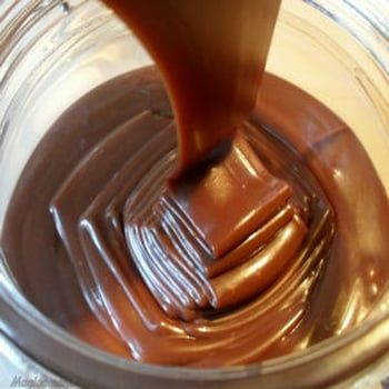 Au chocolat, pralinée, saveur speculoos ou encore caramélisée, la pâte à tartiner est synonyme de petit déjeuner réussi. Réalisez vos pâtes à tartiner maison pour encore plus de saveurs !