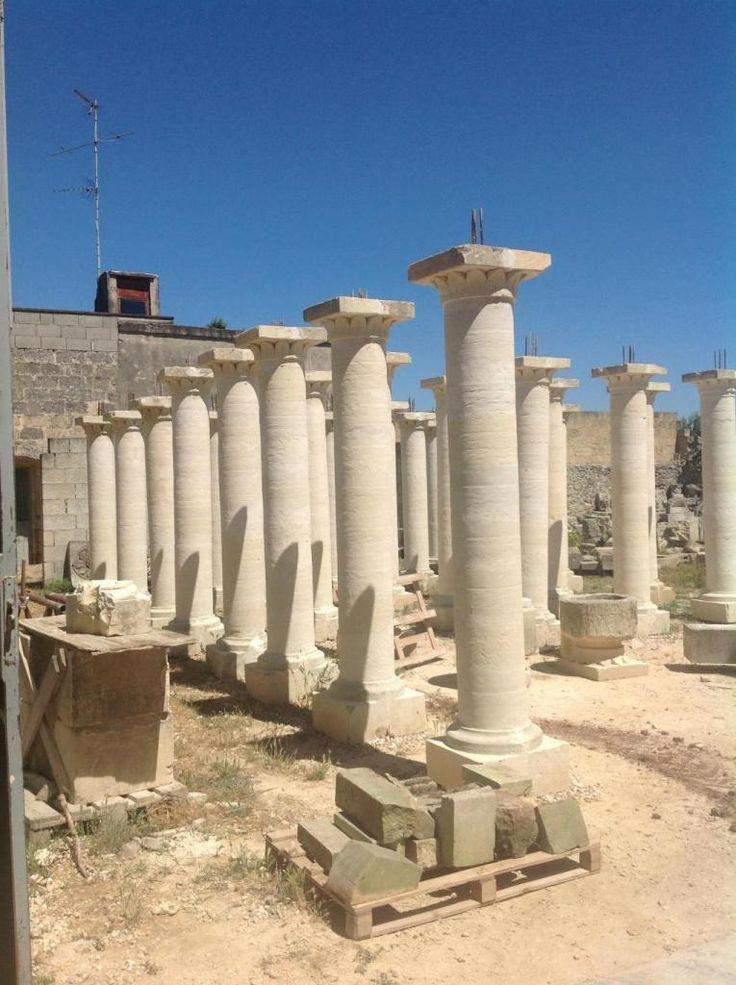 Lecce: Splendide colonne in pietra leccese